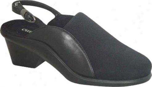 Curvetures Meg 139 (women's) - Black Microfiber/nappa