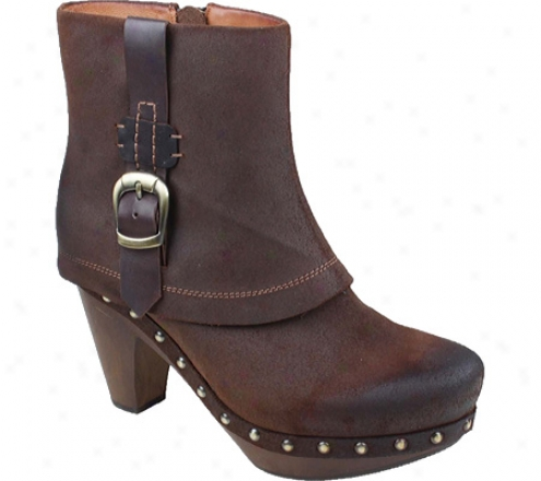 Earthies Lacrane (women's) - Dark Brown Suede