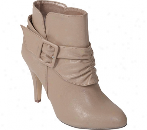 Journee Collection Betsy 5 (women's) - Taupe