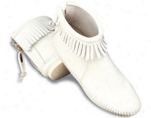 Minnetonka Back Zipper Boot Softsole (women's) - White Smooth