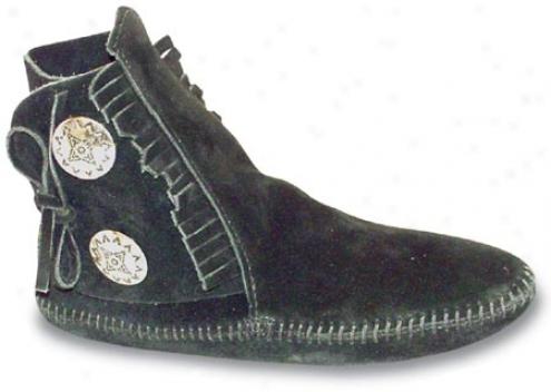 Minnetonka Two Button Boot Softsole (women's) - Black Sudde