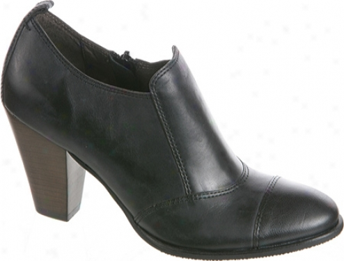 Nicole Giddy (women's) - Black Leather