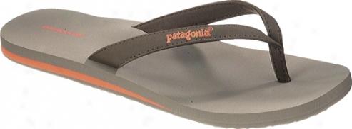 Patagonia Round Pin (women's) - Peat Brown Synthetic Nubuck