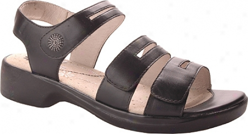 Propet Shore Walker (women's) - Black Smooth