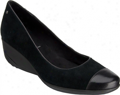 Rockport Emma Cwp Toe Pump (women's) - Black Leather/suede