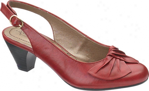 Soft Style Pretty Pleats (women's) - Dark Red Vitello