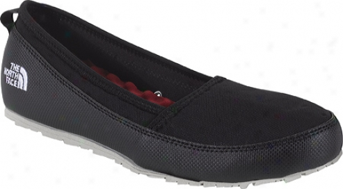 The North Face Base Camp Slip-on (women's) - Black/black