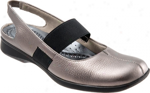 Trotters Jeri (women's) - Platinum Soft Tumbled Metallic Leather