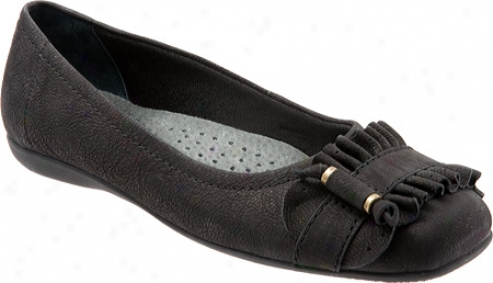 Trotters Sydnei (women's) - Black Antique Goat Leather