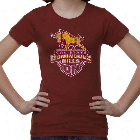 Cal State Dominguez Hills Toros Youth Distressed Primary T-shirt - Garnet