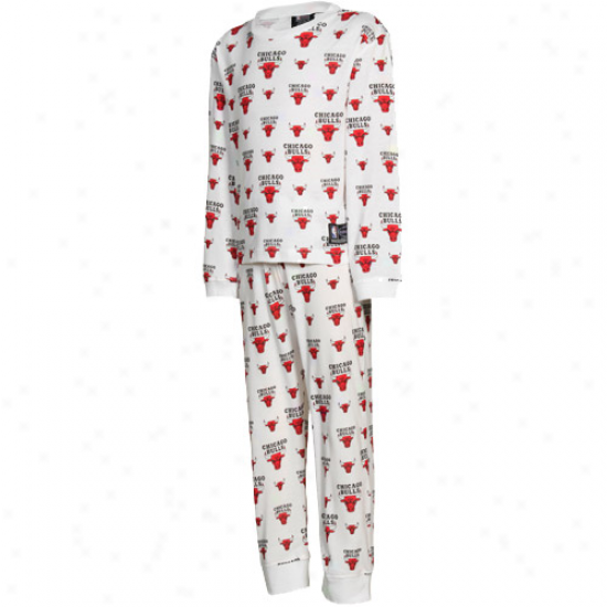 Chicago Bulls All Over Team Logo Youth Pajama Set - White