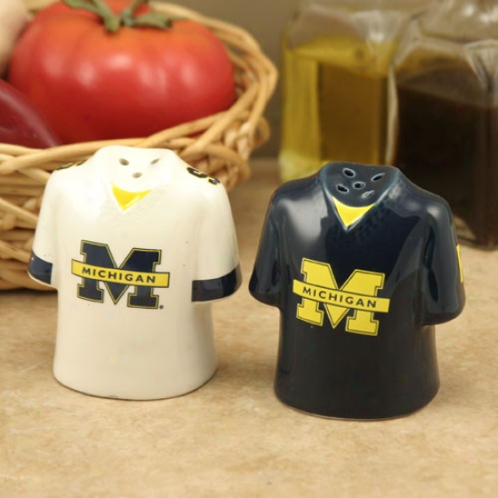 Michigan Wolverines Gameday Ceramic Taste & Pepper Shakers