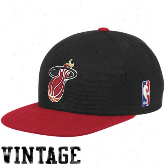 Mitchell & Ness Miami Heat Black-red Two-tone Vintage Snapback Adjustable Hat