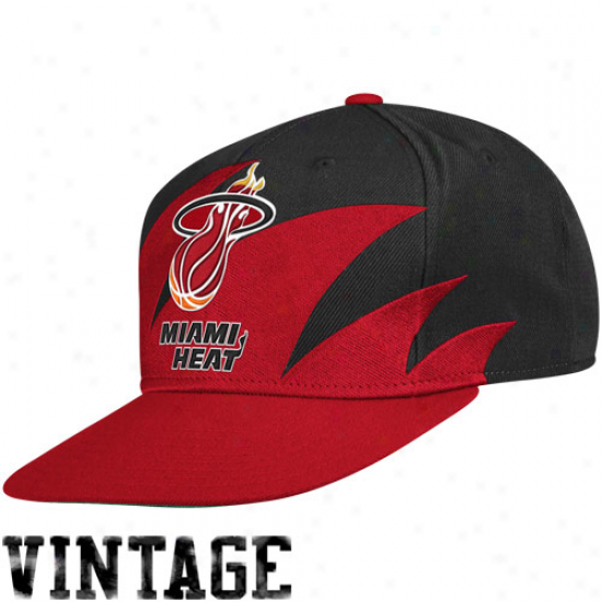 Mitchell & Ness Miami Heat Red-black Nba Sharktooth Snapback Adjustable Hat
