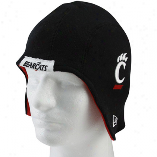 Novel Era Cincinnati Bearcats Black Pigskin Flapper Knit Beanie