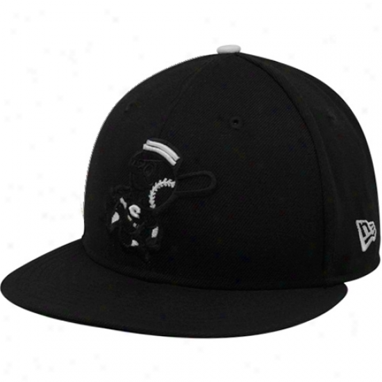 New Era Cincinnati Reds Black Tonal Pop 59fifty Fitted Hat