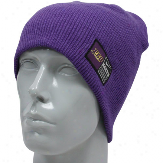 Nije East Carolina Pirates Purple Sideline Knit Beanie