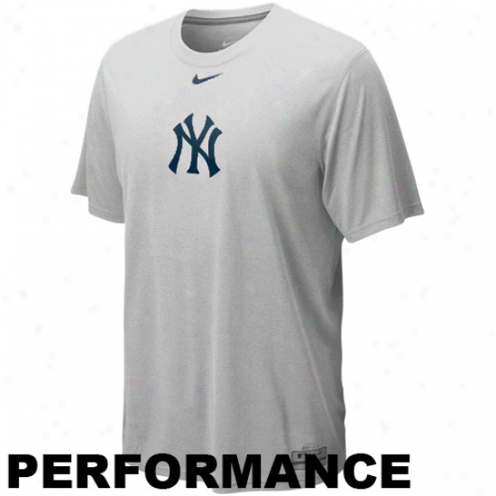 Nike New York Yankees Hoary Dri-fit Logo Legend Performance T-shirt