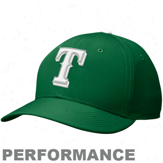 Nike Texas Rangers St. Patrick's Day Adjustable Performance Hat - Kelly Green