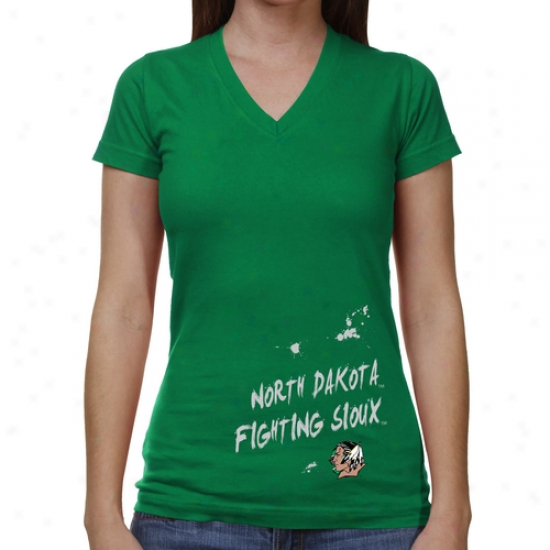 North Dakota Fighting Sioux Ladis Paint Strokes V-neck T-shkrt - Green