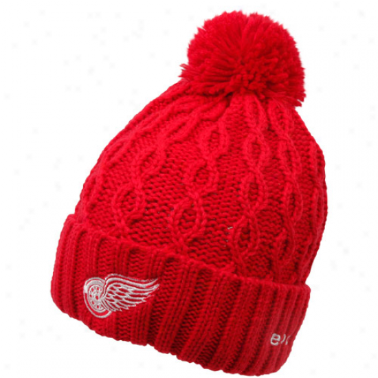 Reebok Detroit Red Wings Ladies Red Cuffed Pom Cable Knit Beanie