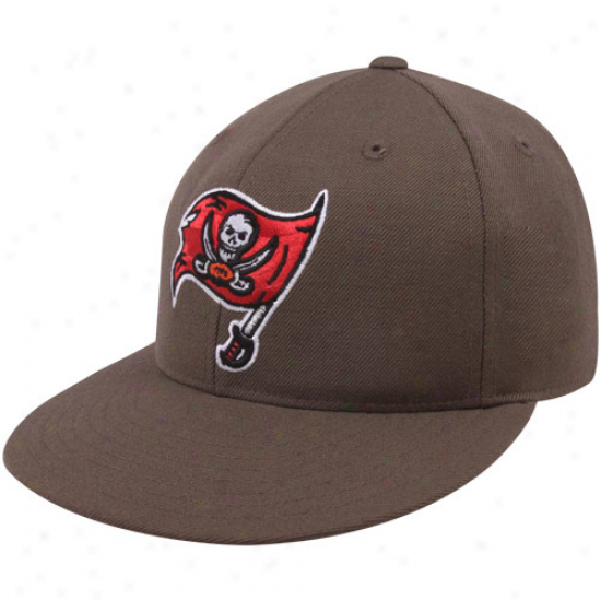 Reebok Tampa Bay Buccaneers Pewter Sideline Flat Bill Fitted Hat