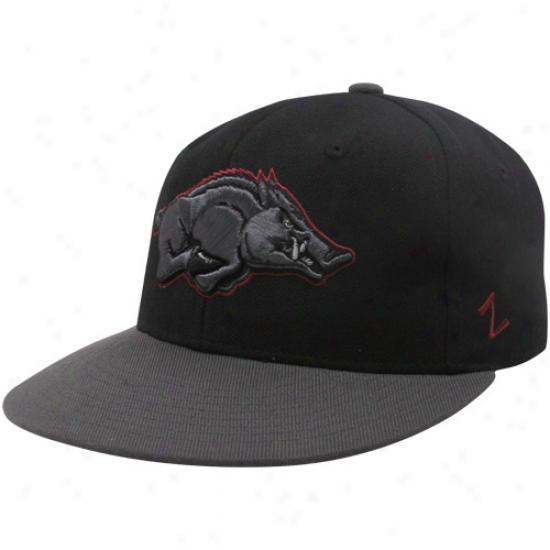 Zephyr Arkansas Razorbacks Charcoal-black Carbon Fitted Hat