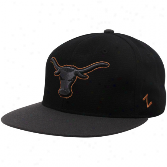Zephyr Texas Longhorns Black Carbon Fitted Hat